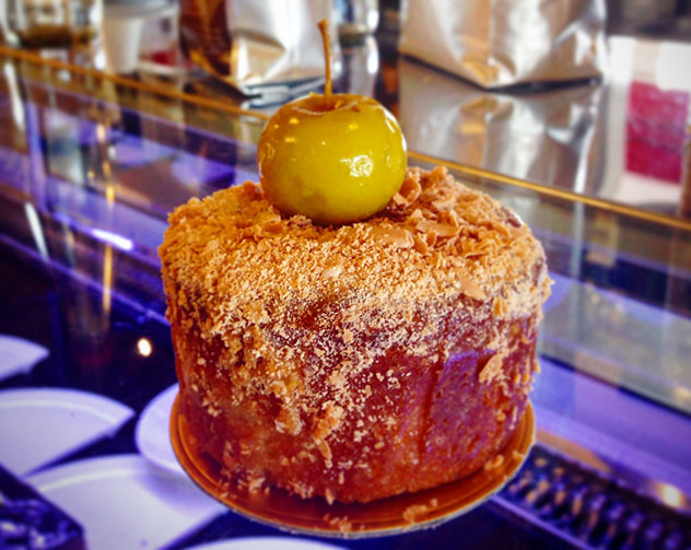Chateaux Gateaux's toffee apple pudding. Photo by Kate Liquorish.