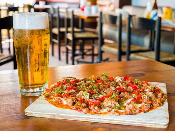 Pizza and beer at Da Vinci's. Photo supplied.