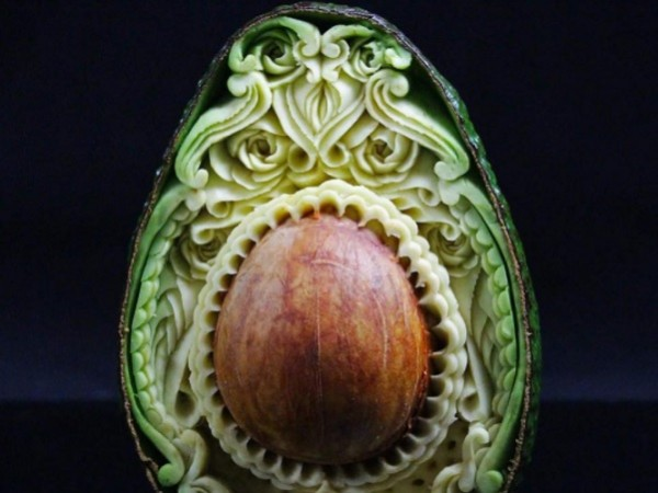 This amazing avo carving has us in a quandary