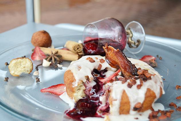 Gluhwein and strawberry doughnut by Little Treat