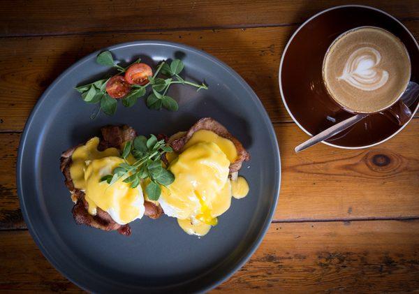 Folk Café's eggs Benedict