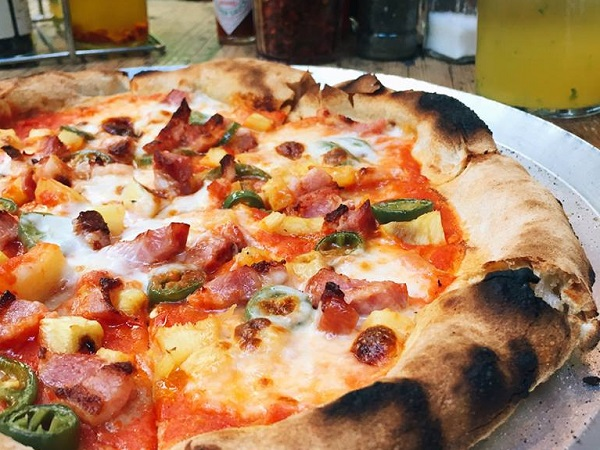 5 great pineapple pizzas in Cape Town