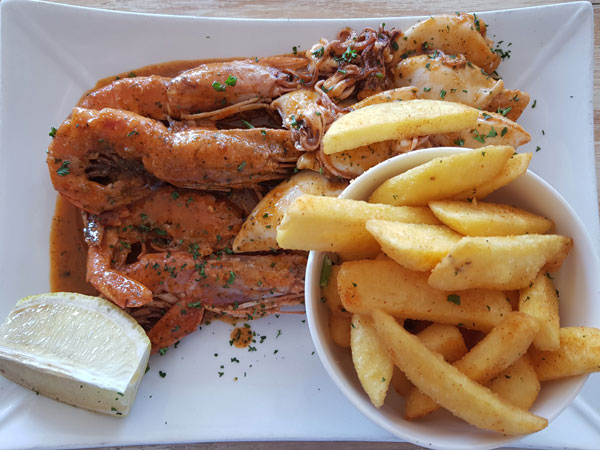 Top-notch seafood and beach views at Umdloti gem, SandBar – reviewed