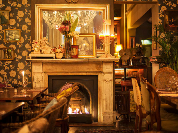 25 restaurants with cosy fireplaces in Cape Town