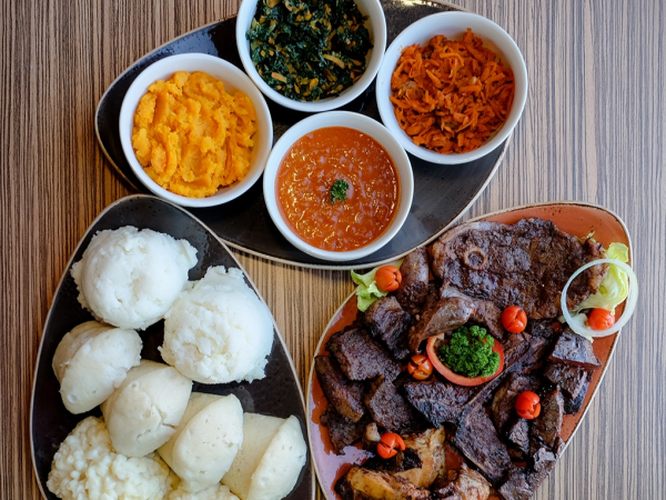 5 great seven colours Sunday lunches in Joburg
