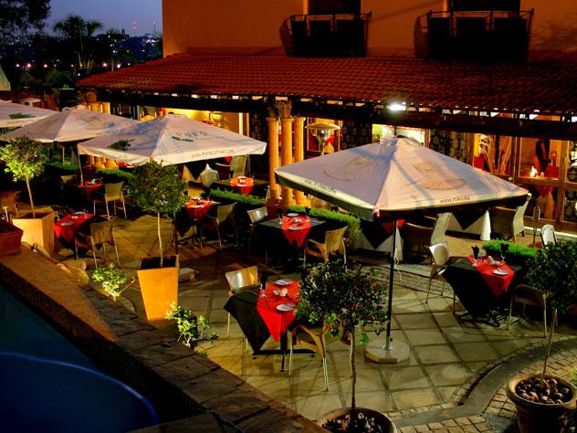 outside at Le-Se Restaurant