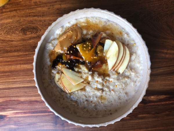The oats with honeycomb, cashew butter and fruit compote