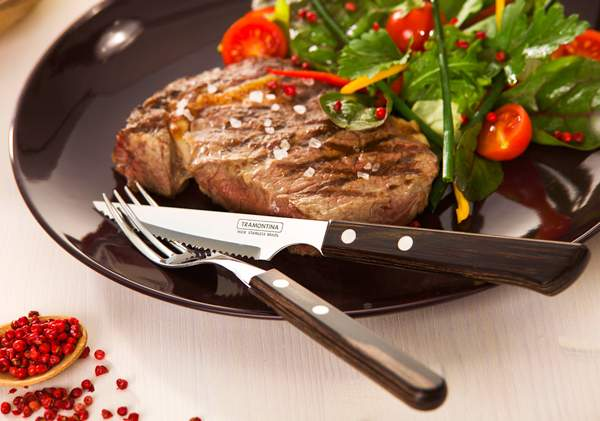 Tramontina's Churrasco is a braai range that includes steak knives, cutlery, tongs, grills, serving dishes and carts