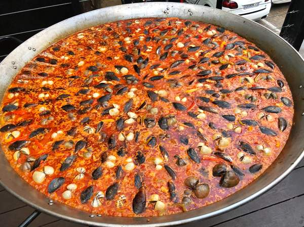 One of the massive paella