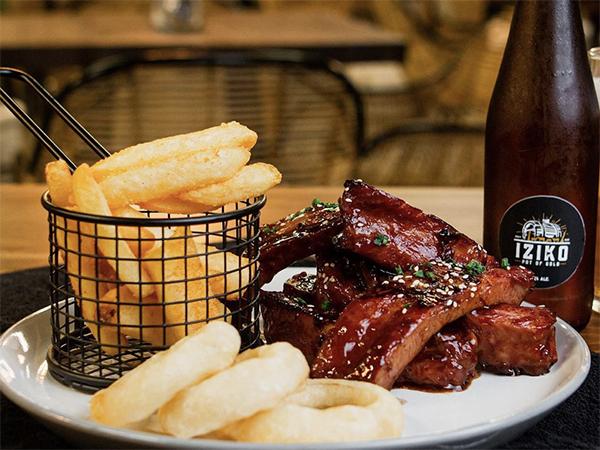 3 restaurants to dine at in Gqeberha's Stanley Street