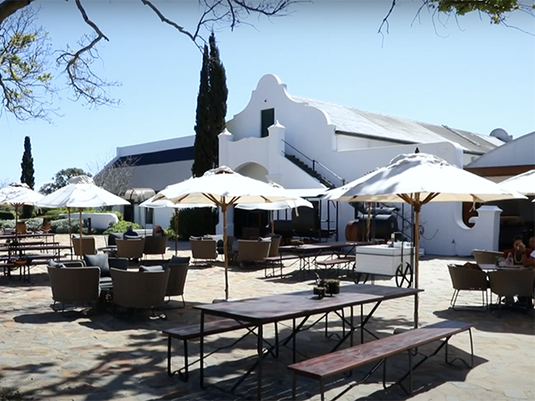 WATCH: Eat Out gets a first look at Bertus Basson's new restaurant, Geuwels