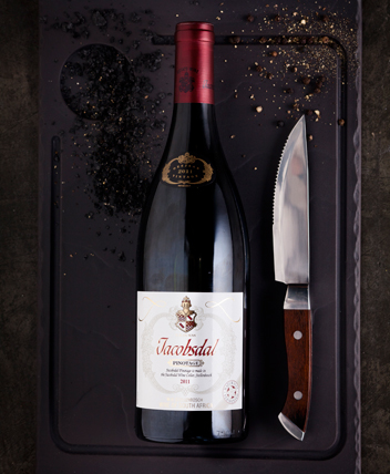 Jacobsdal wine and steak knife
